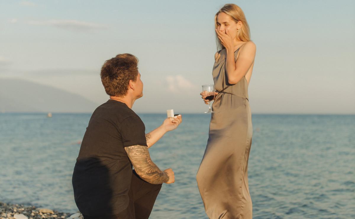 「我願意!」12 星座都喜歡被怎樣求婚呢?