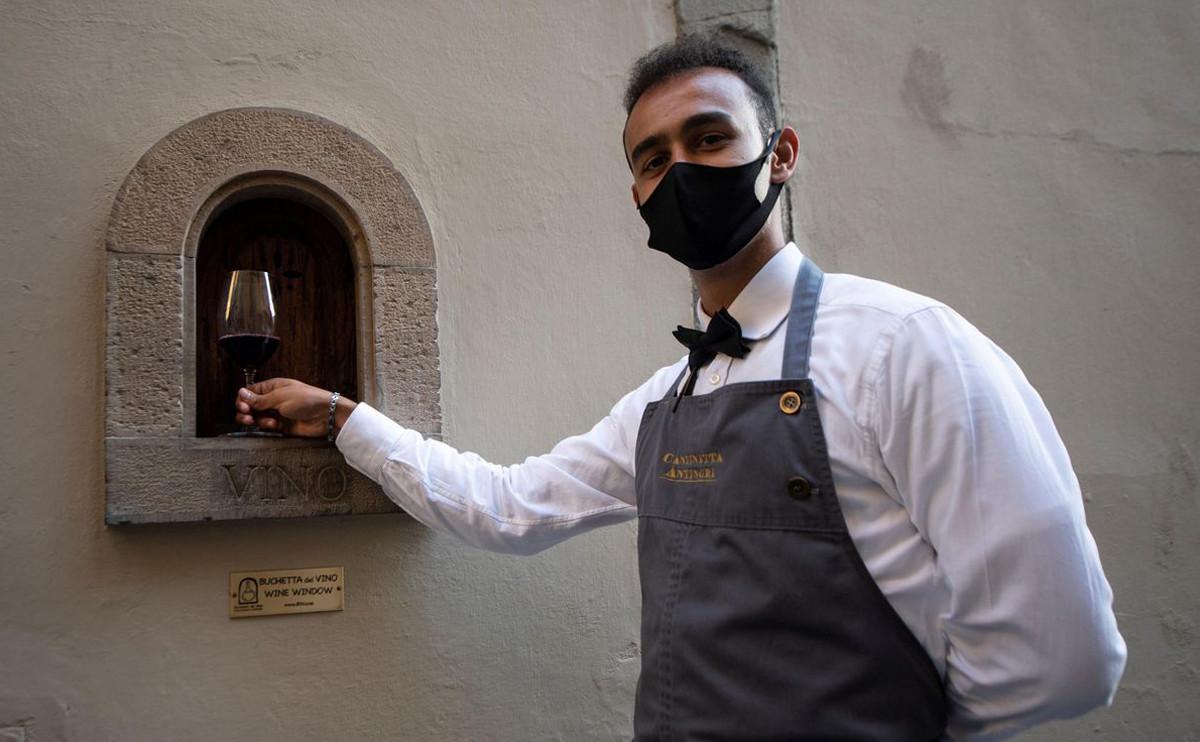 從「防疫遞酒窗」,向義大利人學習 7 種品味浪漫生活的方式