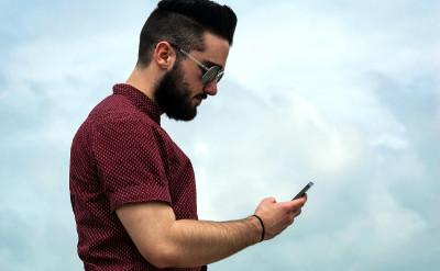 韓國神準心理測驗!你手機打字的手勢,1 秒測出內在性格與感情觀