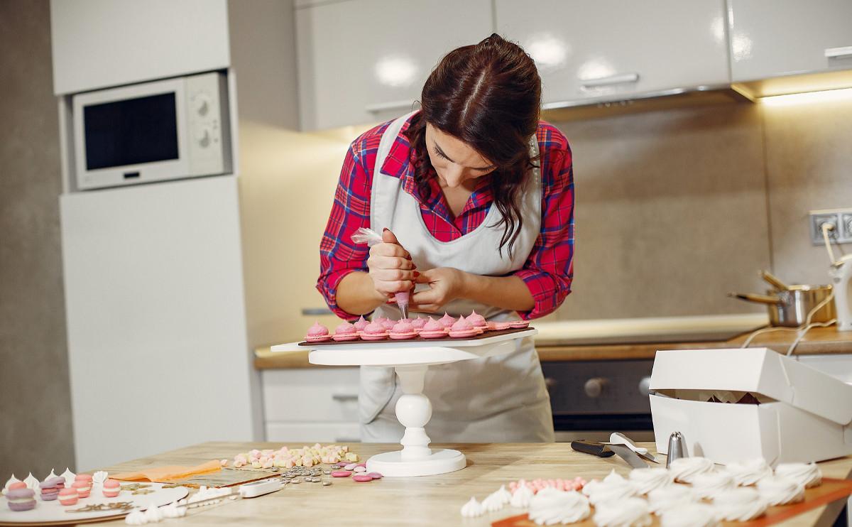 蛋糕上有小雞雞?埃及女性烘焙師「毀壞價值」被逮捕!
