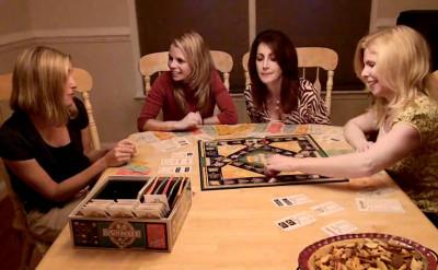 姊妹聚會開趴必備: 6 款女生們最愛的桌遊大集合!