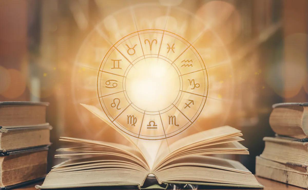 收藏這篇就夠!你所要的占星知識都在這裡:宮位、相位、本命盤、月亮星座、火星星座、水星星座、金星星座、莉莉絲... ...