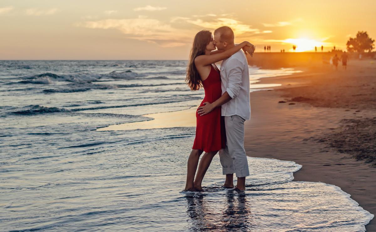 顛倒整個世界,只為擺正你的倒影:12 星座在九月份的愛情桃花運勢排行榜